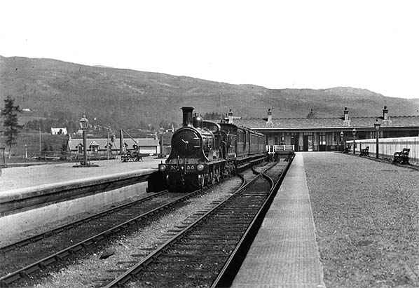 Fort Augustus Station 1914 with train